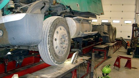 Max\'s Body Shop and Truck Service & Alignment: Frame Repair